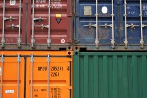 containers klaar om te verschepen